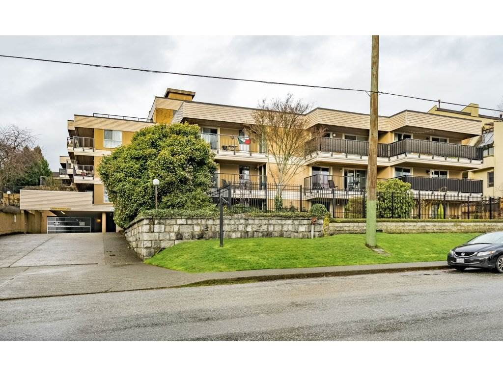 "Main Photo: 405 715 ROYAL Avenue in New Westminster: Uptown NW Condo for sale in ""Vista Royale"" : MLS®# R2328335"