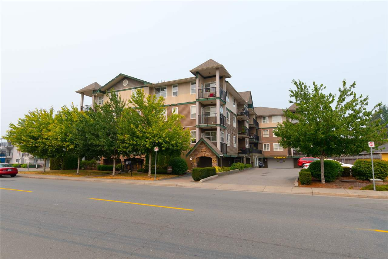 "Main Photo: 203 46053 CHILLIWACK CENTRAL Road in Chilliwack: Chilliwack E Young-Yale Condo for sale in ""THE TUSCANY"" : MLS®# R2341453"