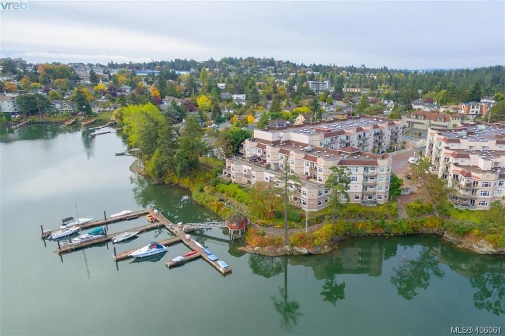 Main Photo: 209 1083 Tillicum Road in VICTORIA: Es Kinsmen Park Condo Apartment for sale (Esquimalt)  : MLS®# 406061