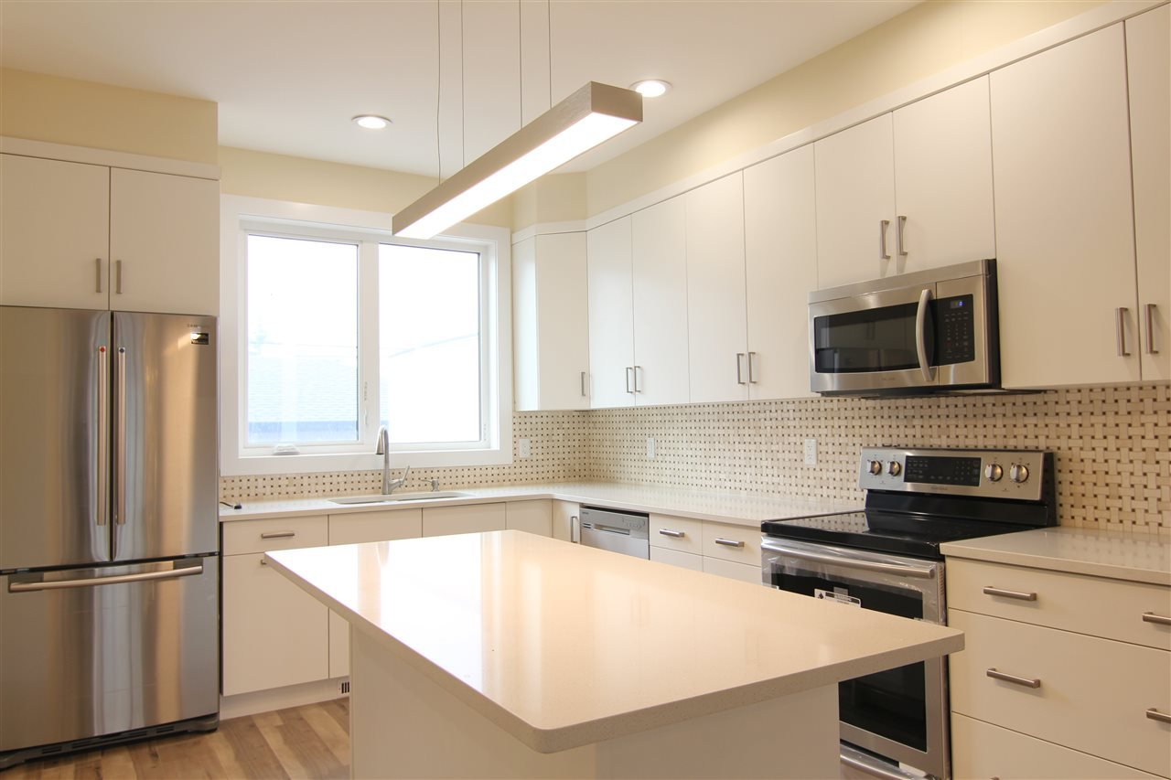 Main Photo: 8712 81 Avenue in Edmonton: Zone 17 House Half Duplex for sale : MLS®# E4158669