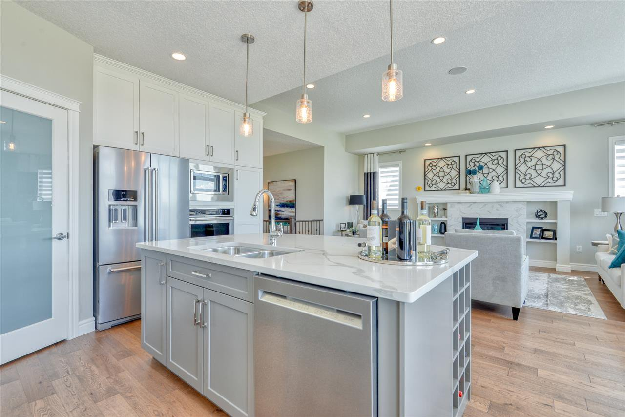 Main Photo: 2 8050 Orchards Green in Edmonton: Zone 53 House Half Duplex for sale : MLS®# E4161869