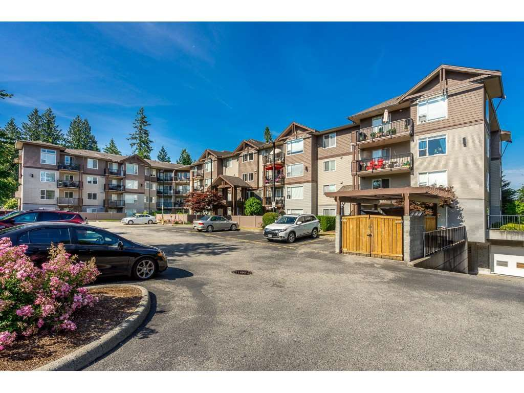 "Main Photo: 205 2581 LANGDON Street in Abbotsford: Abbotsford West Condo for sale in ""Cobblestone"" : MLS®# R2381074"