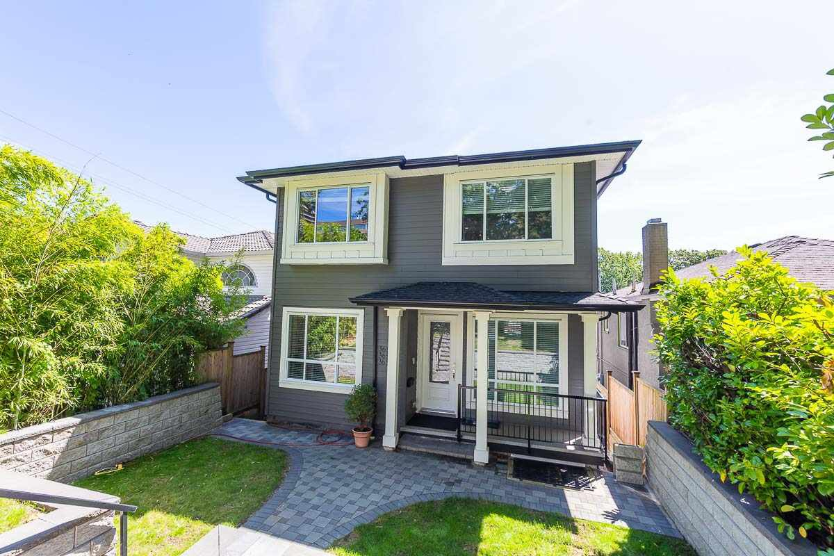 Main Photo: 3654 E PENDER Street in Vancouver: Renfrew VE House for sale (Vancouver East)  : MLS®# R2389881