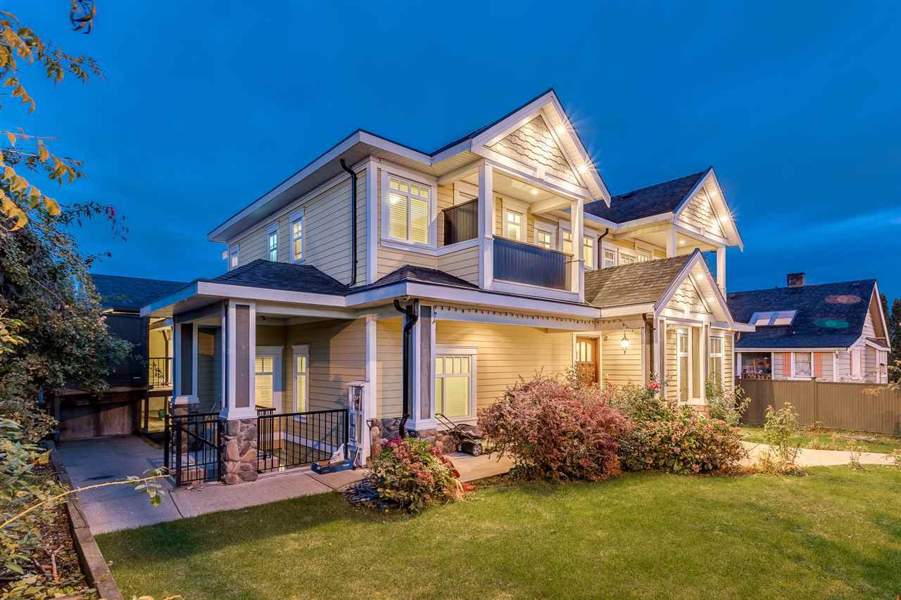 Main Photo: 807 TWENTIETH Street in New Westminster: West End NW House for sale : MLS®# R2412114