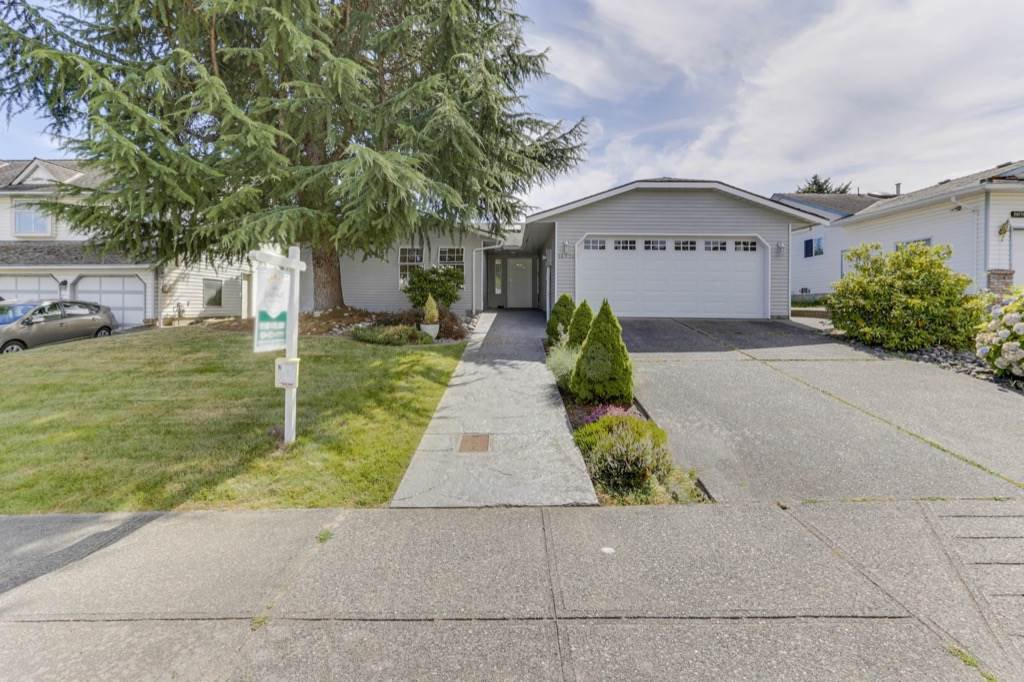 Main Photo: 16726 80 Avenue in Surrey: Fleetwood Tynehead House for sale : MLS®# R2479899