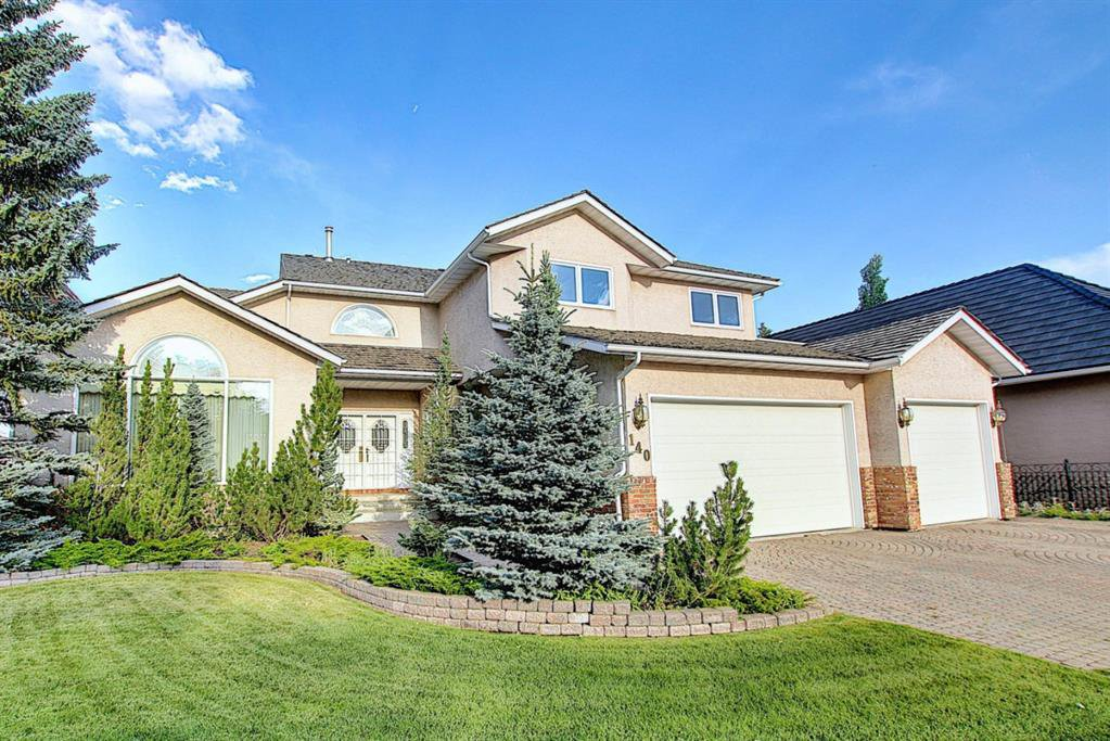 Main Photo: 140 WOODACRES Drive SW in Calgary: Woodbine Detached for sale : MLS®# A1024831