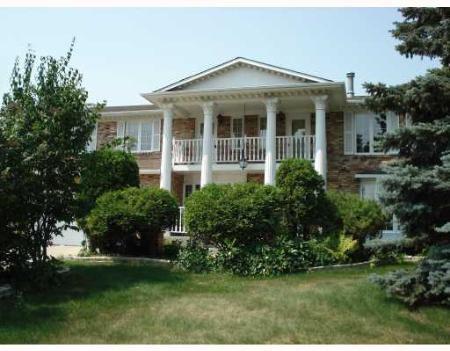 Main Photo: 23 DUNBAR: Residential for sale (Tuxedo)  : MLS®# 2713074