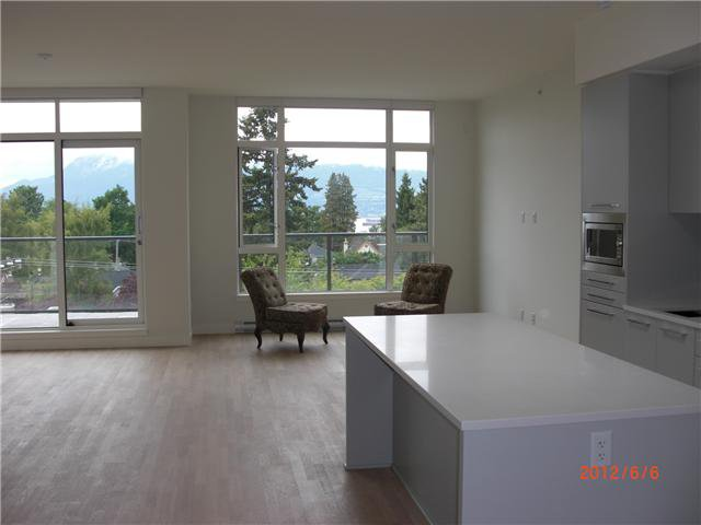 Main Photo: 408 4355 W 10TH Avenue in Vancouver: Point Grey Condo for sale (Vancouver West)  : MLS®# V954564
