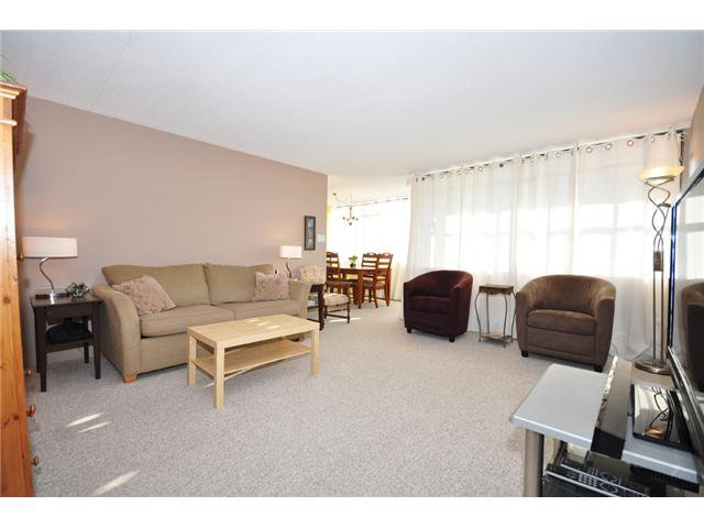 """Main Photo: 910 6631 MINORU Boulevard in Richmond: Brighouse Condo for sale in """"REGENCY PARK TOWERS"""" : MLS®# V1023296"""