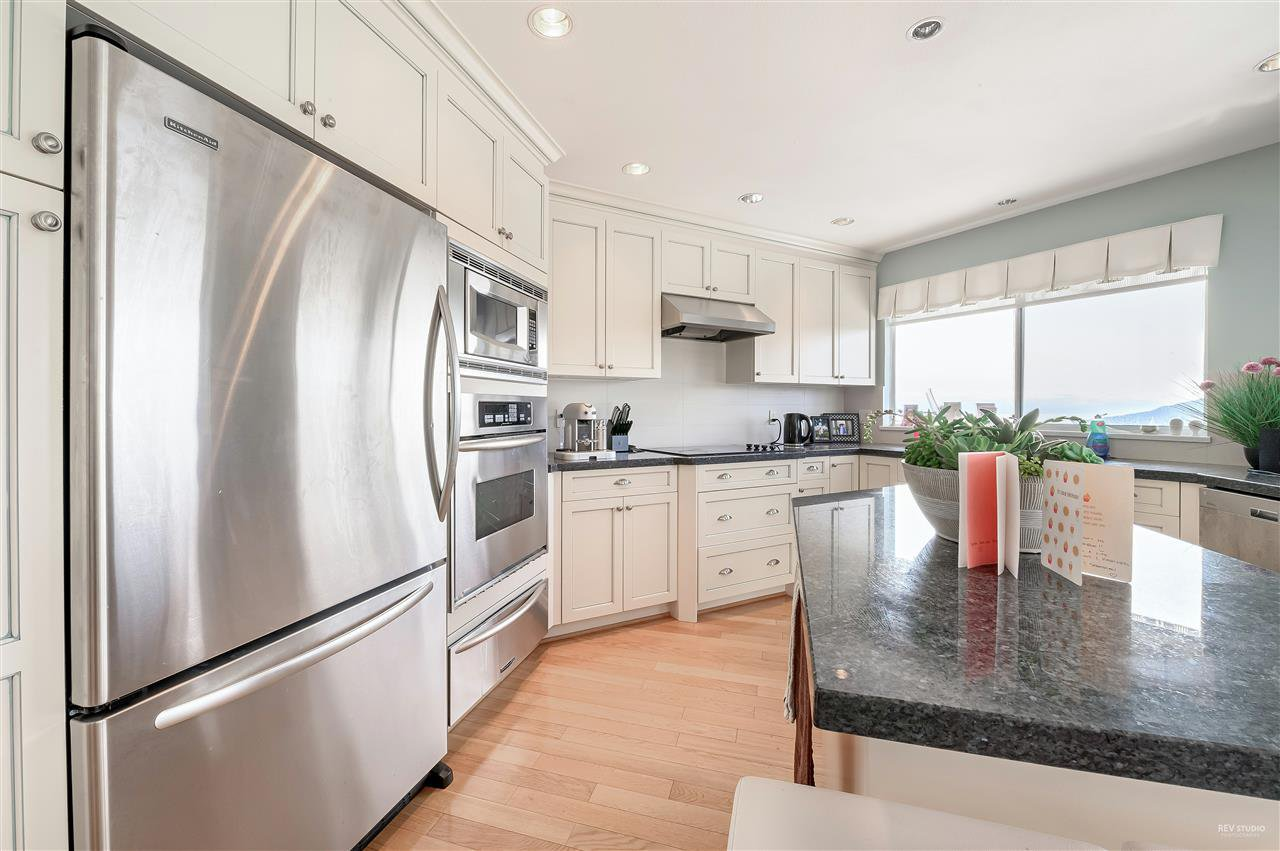 Photo 3: Photos: 5349 MONTE BRE CRESCENT in West Vancouver: Upper Caulfeild House for sale : MLS®# R2345408
