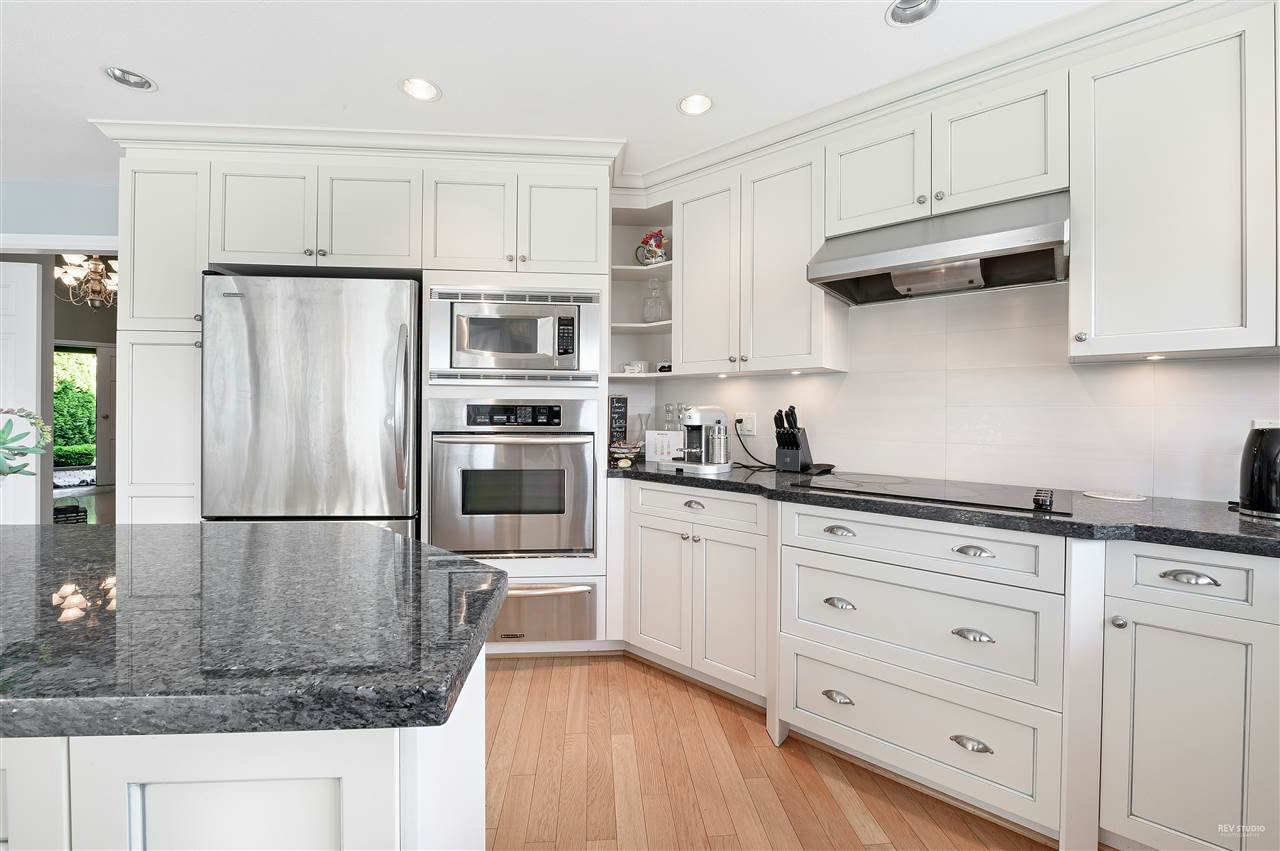 Photo 8: Photos: 5349 MONTE BRE CRESCENT in West Vancouver: Upper Caulfeild House for sale : MLS®# R2345408