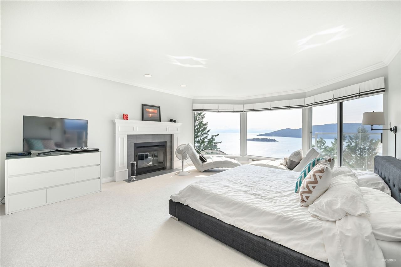 Photo 11: Photos: 5349 MONTE BRE CRESCENT in West Vancouver: Upper Caulfeild House for sale : MLS®# R2345408