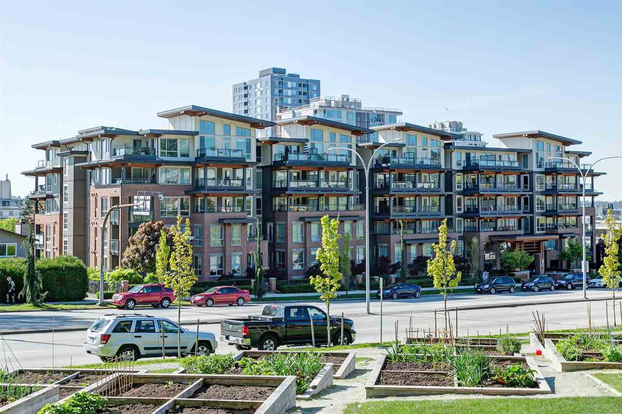 Main Photo: 417 500 ROYAL Avenue in New Westminster: Downtown NW Condo for sale : MLS®# R2444936