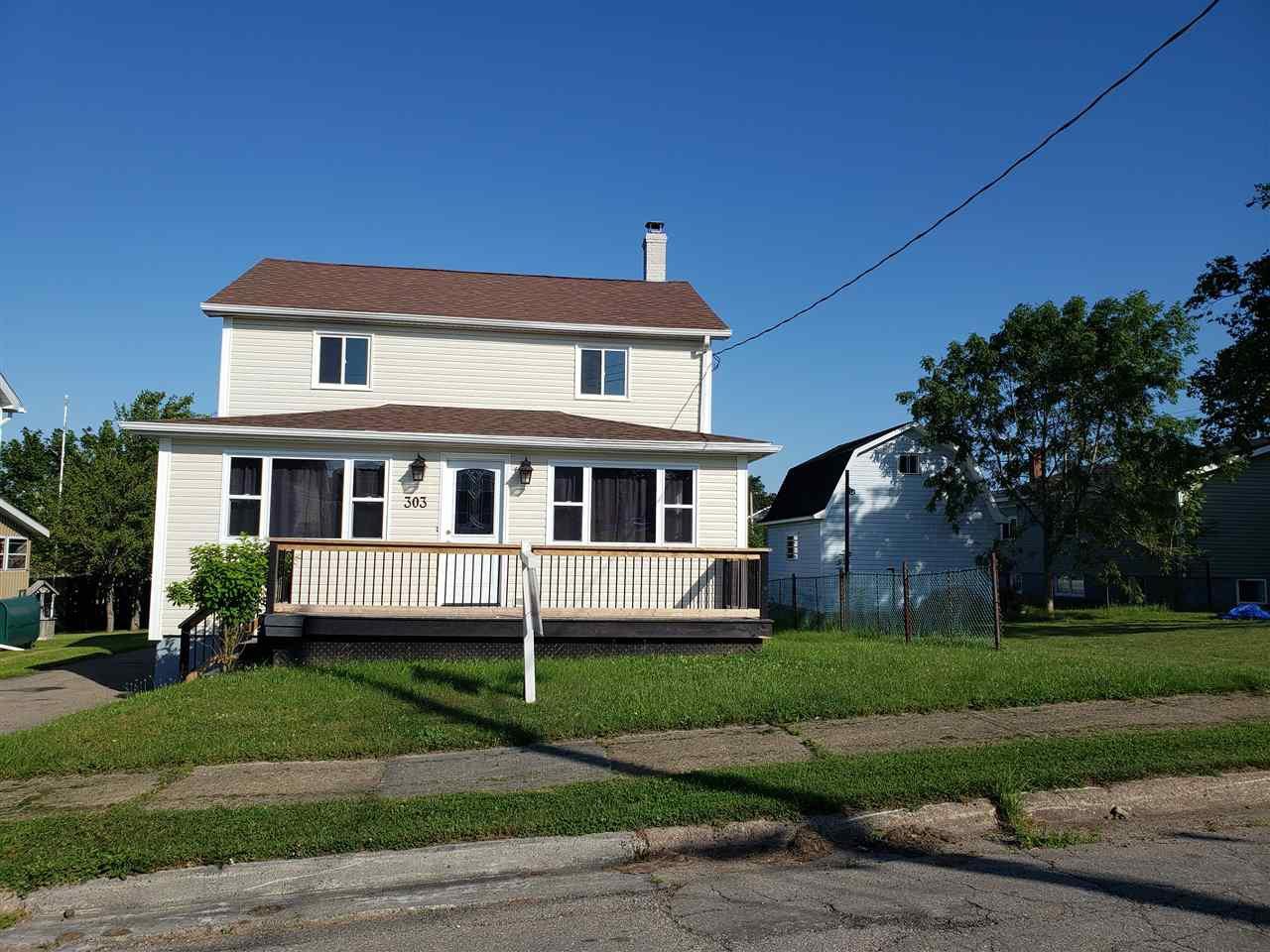 Main Photo: 303 Cherry Street in Sydney: 201-Sydney Residential for sale (Cape Breton)  : MLS®# 202014427
