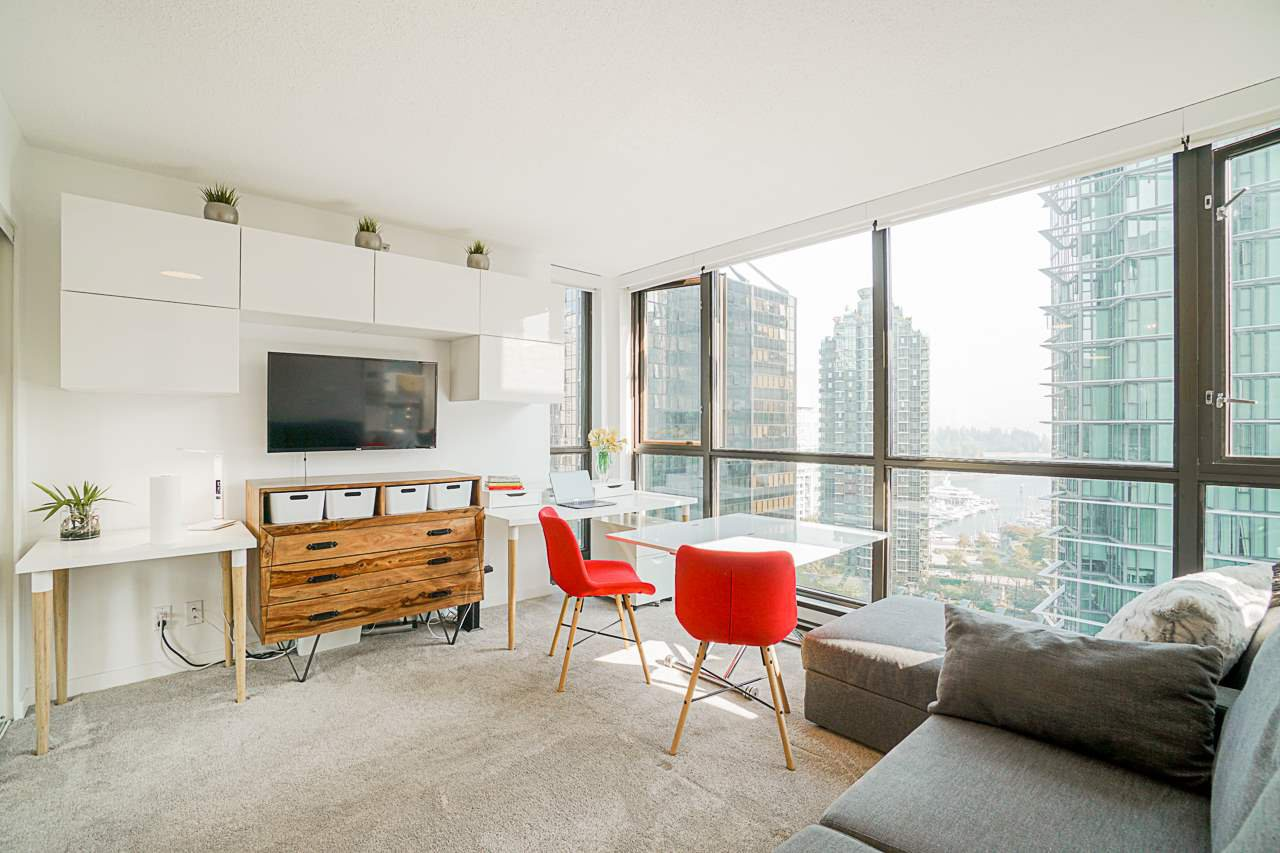 "Main Photo: 1003 1331 ALBERNI Street in Vancouver: West End VW Condo for sale in ""THE LIONS"" (Vancouver West)  : MLS®# R2497732"