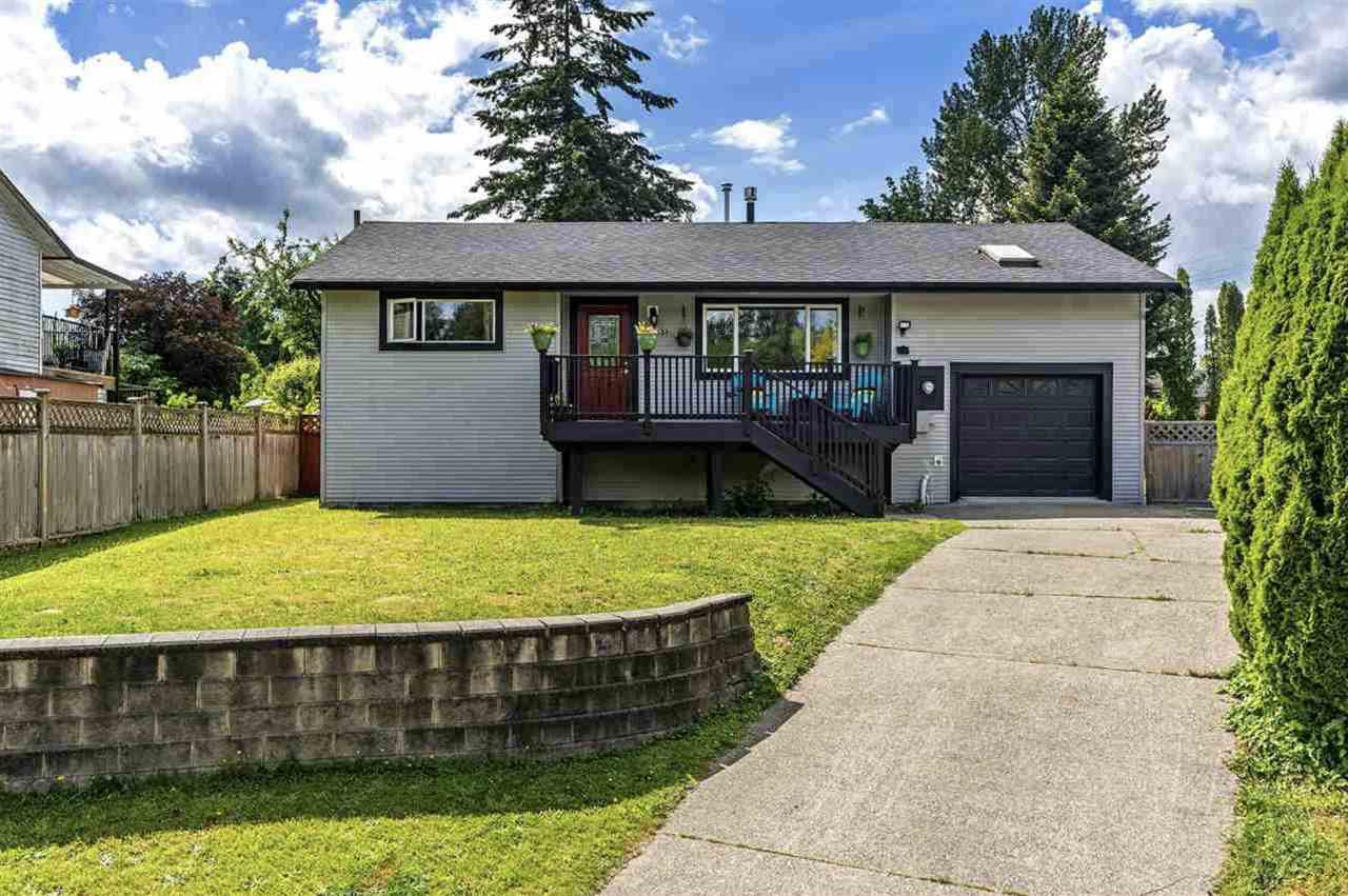 Main Photo: 11931 249 Street in Maple Ridge: Websters Corners House for sale : MLS®# R2523124