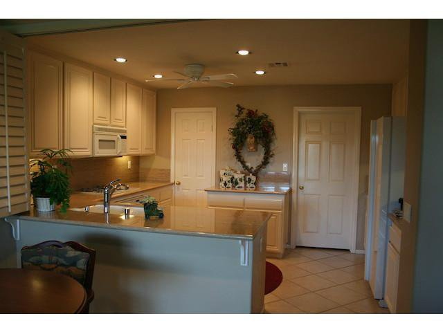 Photo 12: Photos: AVIARA Townhome for sale : 3 bedrooms : 1628 Cormorant Drive in Carlsbad