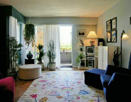 "Main Photo: 303 1011 4TH AV in New Westminster: Uptown NW Condo for sale in ""Crestwell Manor"" : MLS®# V591898"