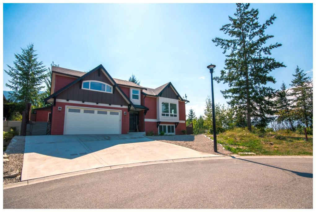Main Photo: 1450 Southeast 9 Avenue in Salmon Arm: Hillcrest House for sale (SE Salmon Arm)  : MLS®# 10087408