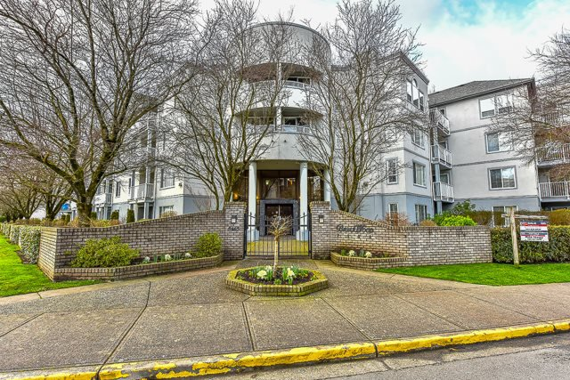 Main Photo: 408 5465 201 STREET in Langley: Langley City Condo for sale : MLS®# R2036400