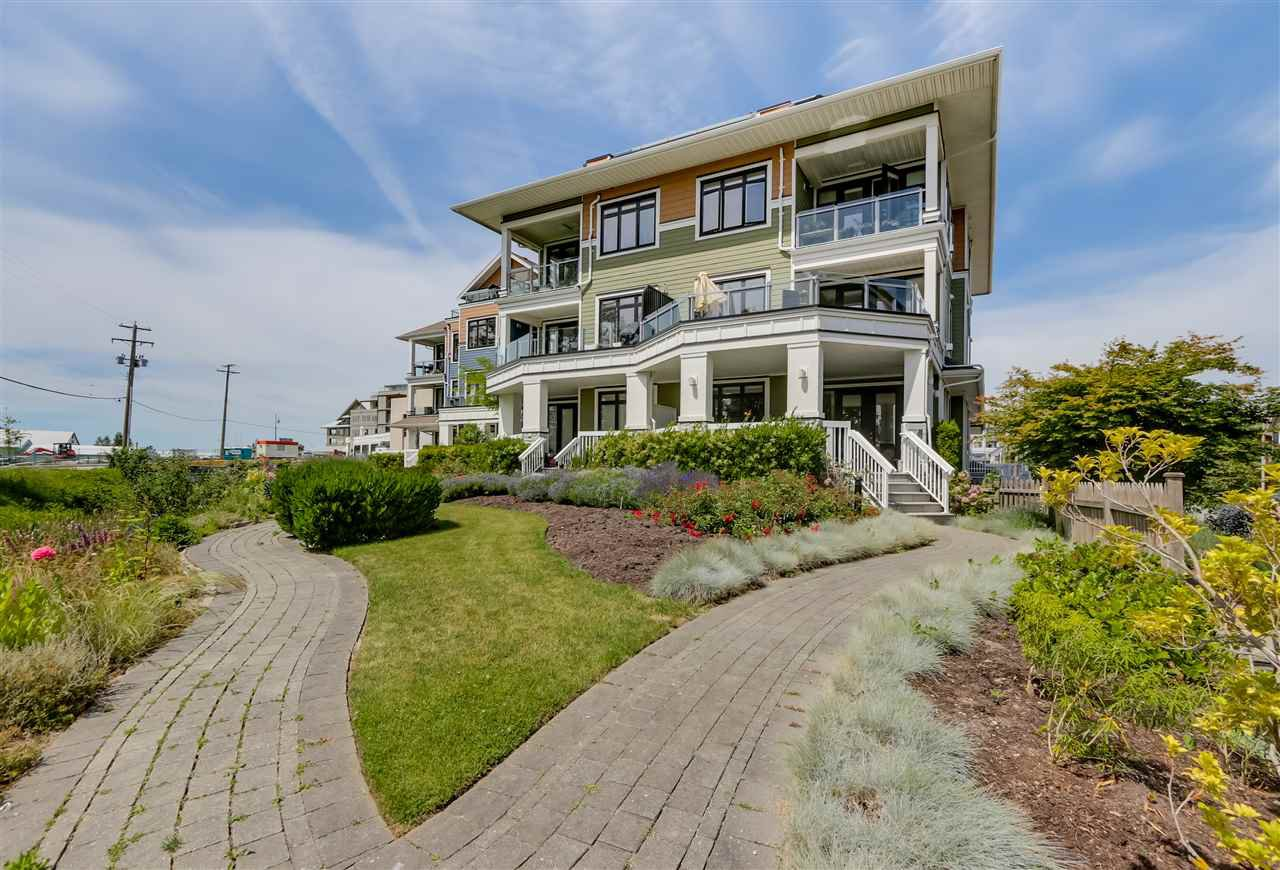Main Photo: 105 13251 PRINCESS STREET in Richmond: Steveston South Condo for sale : MLS®# R2078377