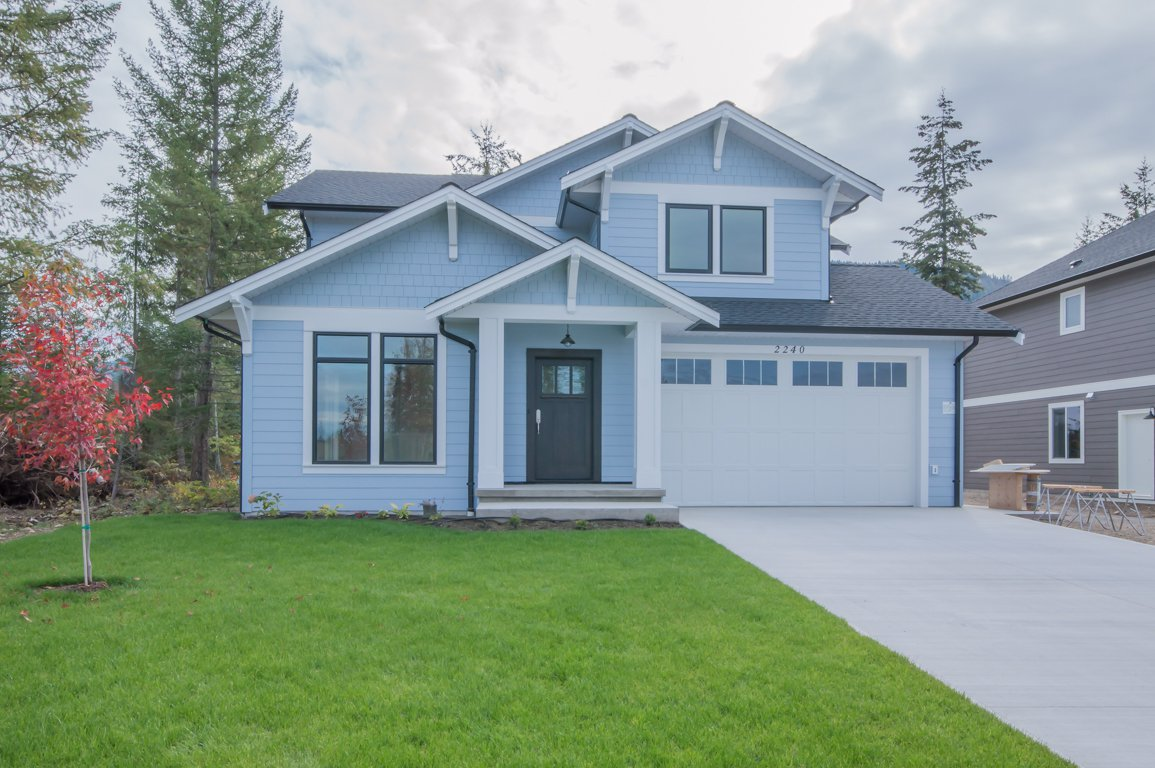 Main Photo: 2240 Southeast 15 Avenue in Salmon Arm: HILLCREST HEIGHTS House for sale (SE Salmon Arm)  : MLS®# 10158069