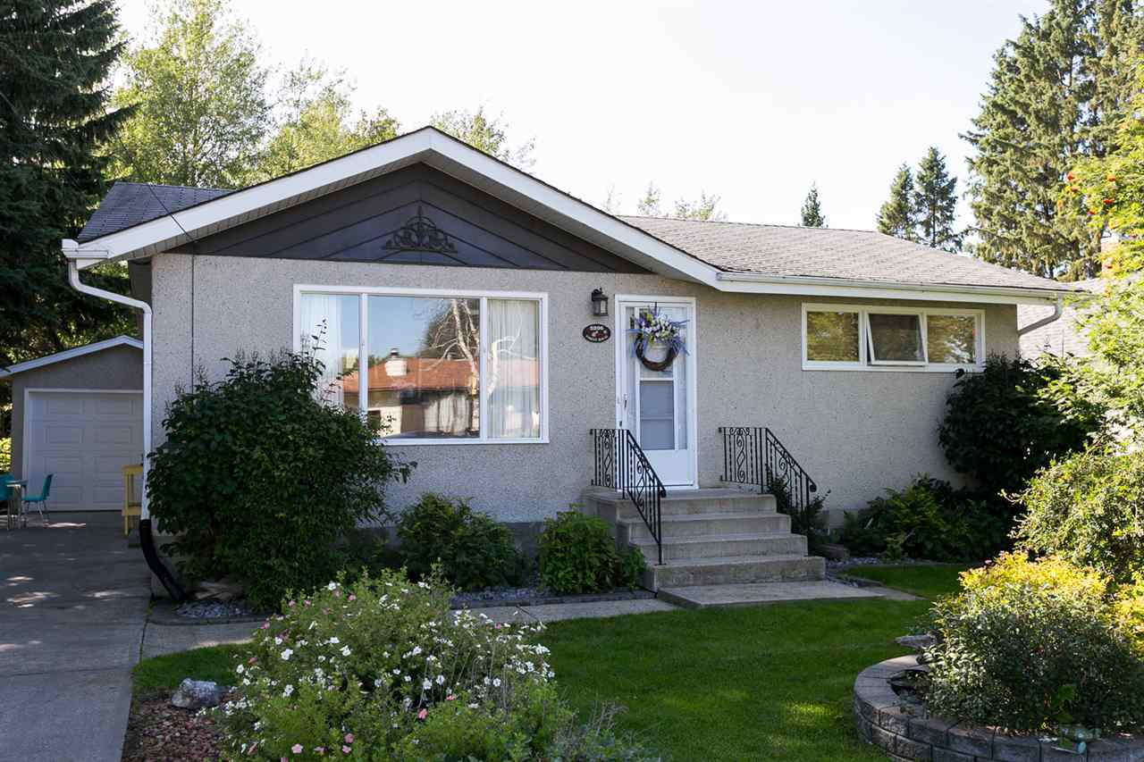 Main Photo: 5206 52 Street: Stony Plain House for sale : MLS®# E4175812