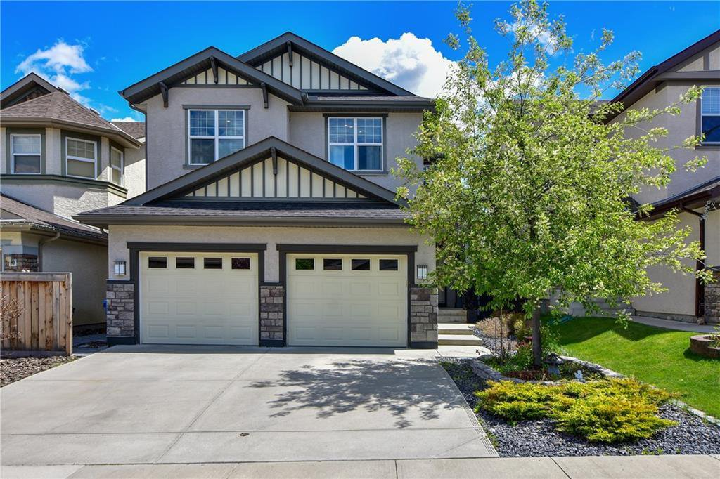 Main Photo: 583 Everbrook Way SW in Calgary: Evergreen Detached for sale : MLS®# A1033176