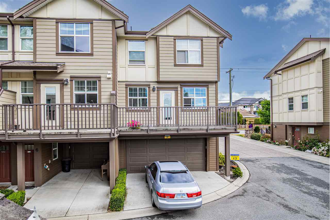 "Main Photo: 5 33860 MARSHALL Road in Abbotsford: Central Abbotsford Townhouse for sale in ""Marshall Mews"" : MLS®# R2528365"