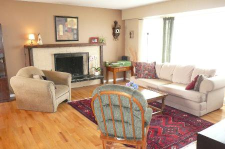 Photo 2: Photos: Home On 1/2 Acre In Murrayville