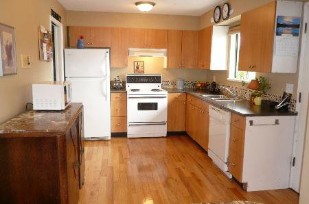 Photo 4: Photos: Home On 1/2 Acre In Murrayville