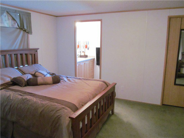 """Photo 3: Photos: 59 9203 82ND Street in Fort St. John: Fort St. John - City NE Manufactured Home for sale in """"COURTYARD MHP"""" (Fort St. John (Zone 60))  : MLS®# N224021"""