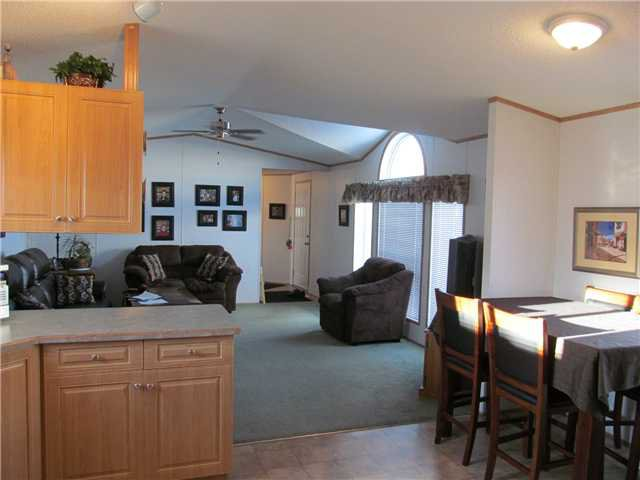 """Photo 7: Photos: 59 9203 82ND Street in Fort St. John: Fort St. John - City NE Manufactured Home for sale in """"COURTYARD MHP"""" (Fort St. John (Zone 60))  : MLS®# N224021"""