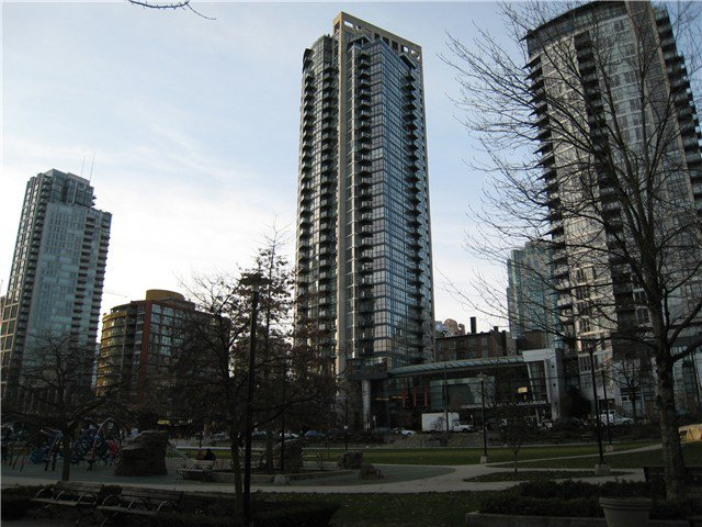 """Main Photo: 1501 1199 SEYMOUR Street in Vancouver: Downtown VW Condo for sale in """"BRAVA"""" (Vancouver West)  : MLS®# V985712"""