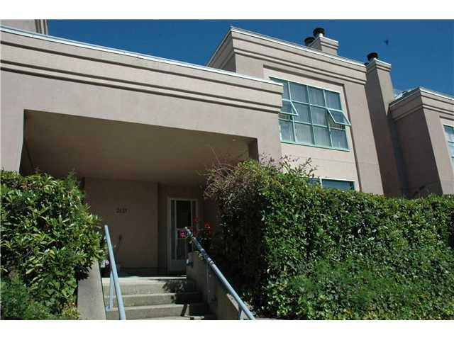 Main Photo: # 1B 2433 E 10TH AV in Vancouver: Renfrew VE Townhouse for sale (Vancouver East)  : MLS®# V1026968