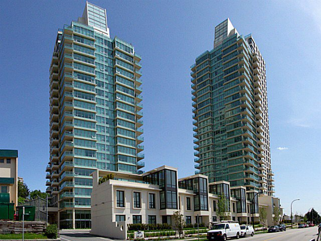 Main Photo: 305 2200 Douglas Rd in Burnaby: Parkcrest Condo for sale (Burnaby North)
