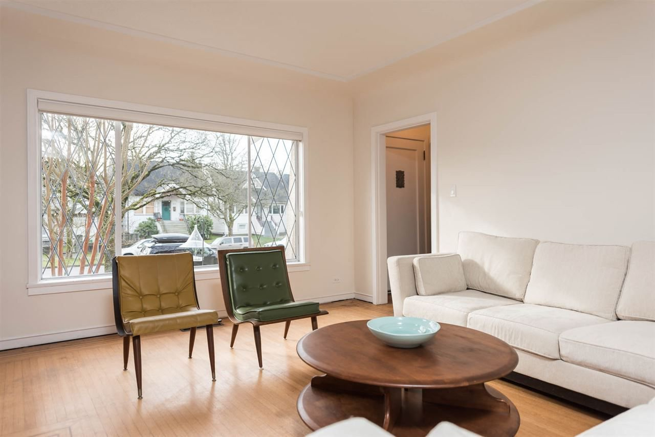Photo 5: Photos: 403 W 20TH AVENUE in Vancouver: Cambie House for sale (Vancouver West)  : MLS®# R2276001