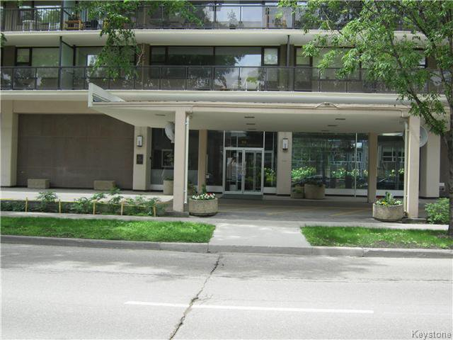 Main Photo: 609 - 99 Wellington: Condominium for sale (1B)  : MLS®# 1619546