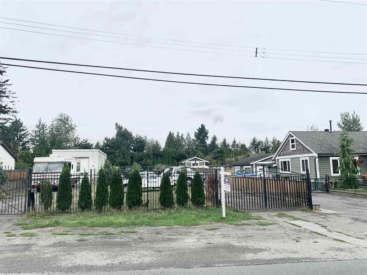 Main Photo: 33485 HAWTHORNE Avenue in Abbotsford: Poplar Land for sale : MLS®# R2499833