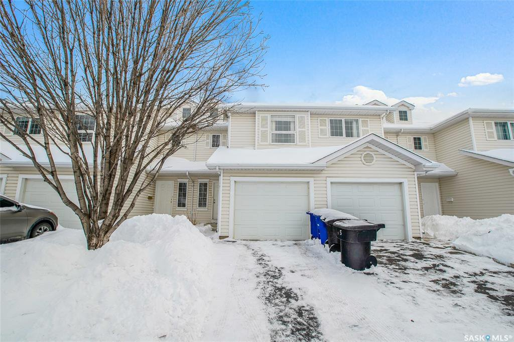 Main Photo: 33 410 Keevil Crescent in Saskatoon: University Heights Residential for sale : MLS®# SK833520