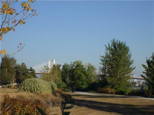 """Photo 9: Photos: 6 19452 FRASER Way in Pitt Meadows: South Meadows Townhouse for sale in """"SHORELINE"""" : MLS®# V972885"""