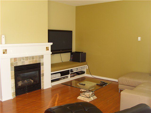 """Photo 3: Photos: 6 19452 FRASER Way in Pitt Meadows: South Meadows Townhouse for sale in """"SHORELINE"""" : MLS®# V972885"""