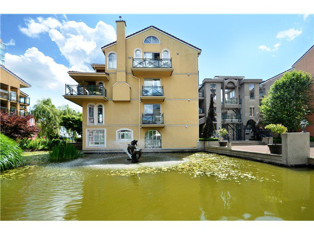 Main Photo: # 115 3 RENAISSANCE SQ in New Westminster: Quay Condo for sale : MLS®# V1044236