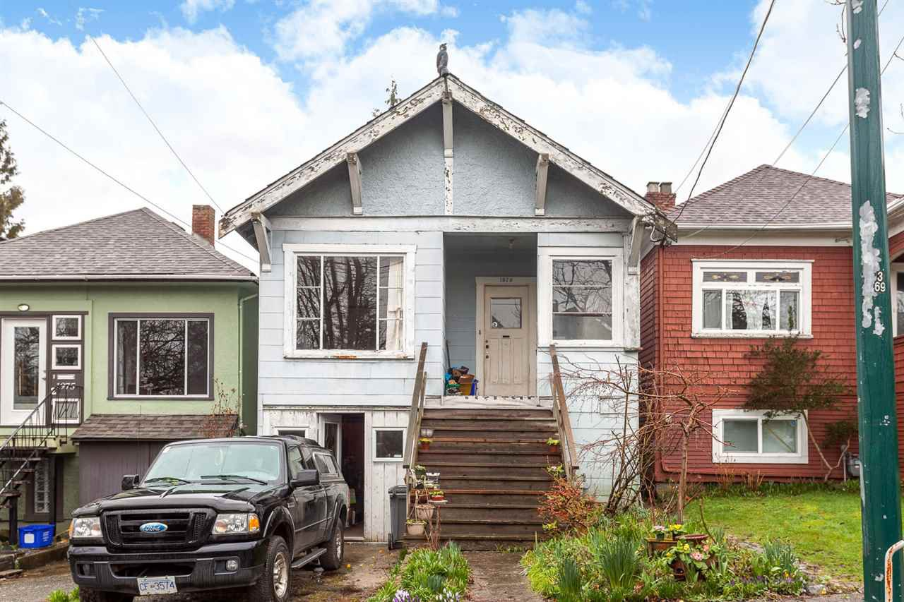 Main Photo: 1979 CHARLES STREET in Vancouver: Grandview VE House for sale (Vancouver East)  : MLS®# R2037335
