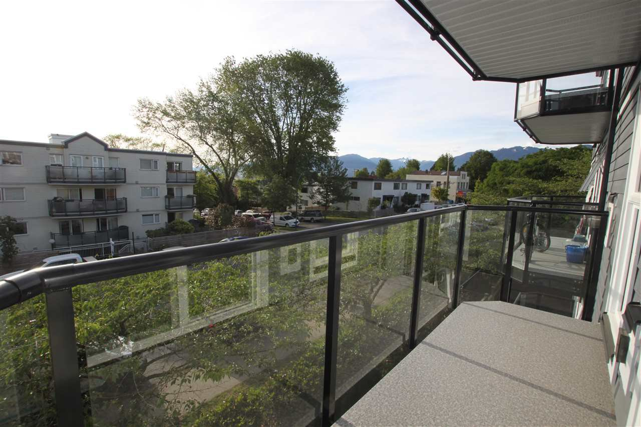 Photo 3: Photos: 302 2212 OXFORD STREET in Vancouver: Hastings Condo for sale (Vancouver East)  : MLS®# R2370060