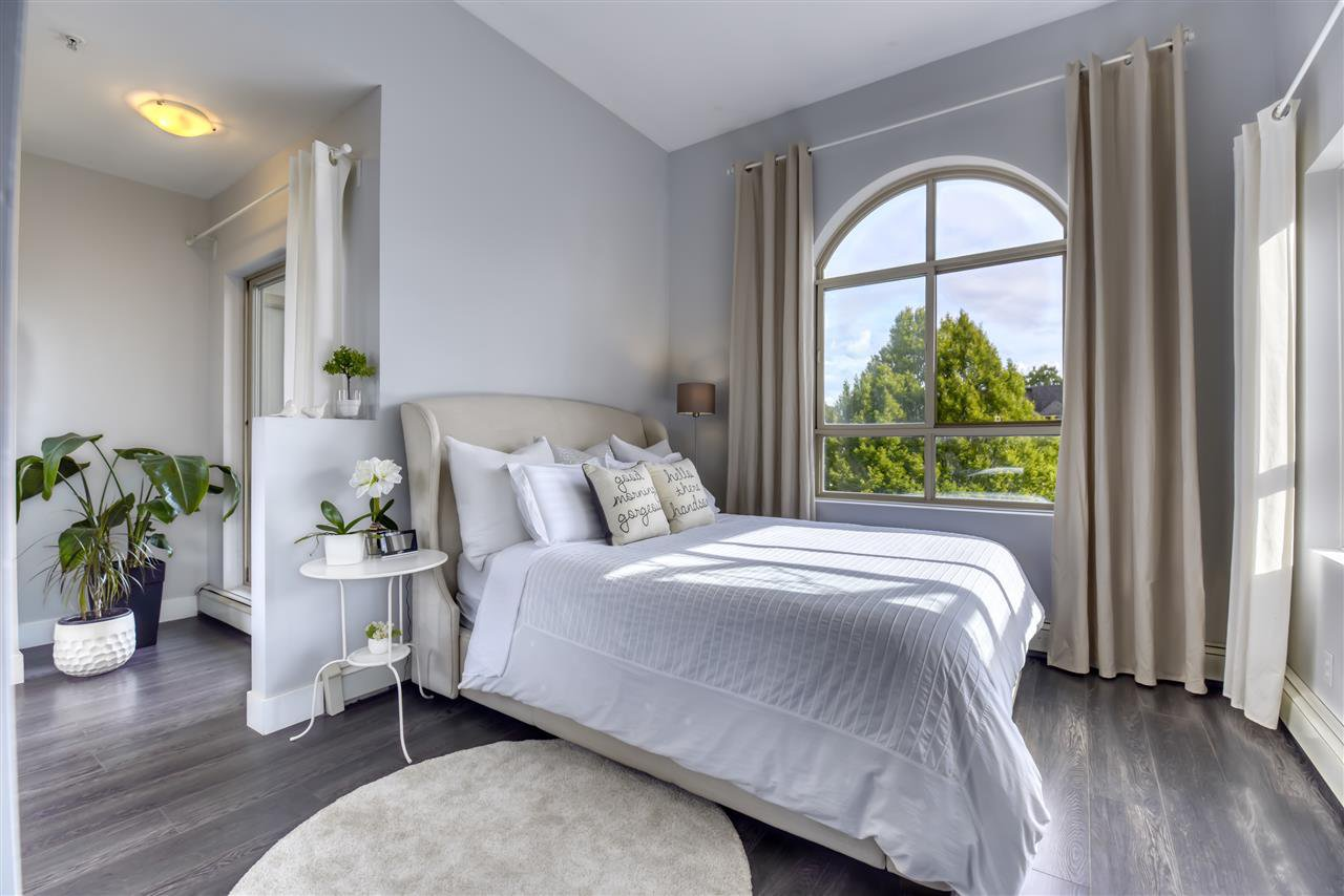 """Main Photo: 301 2109 ROWLAND Street in Port Coquitlam: Central Pt Coquitlam Condo for sale in """"PARKVIEW PLACE"""" : MLS®# R2508177"""