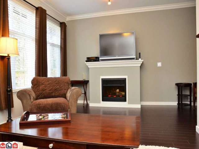 """Photo 2: Photos: 36 14462 61A Avenue in Surrey: Sullivan Station Townhouse for sale in """"RAVINA"""" : MLS®# F1204035"""