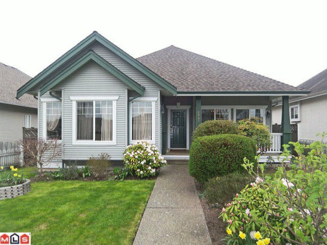 """Main Photo: 6842 184TH Street in Surrey: Cloverdale BC House for sale in """"Cloverdale"""" (Cloverdale)  : MLS®# F1208817"""