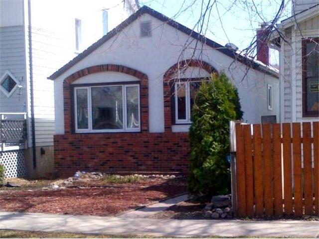 Main Photo: 907 Ashburn Street in WINNIPEG: West End / Wolseley Residential for sale (West Winnipeg)  : MLS®# 1309033