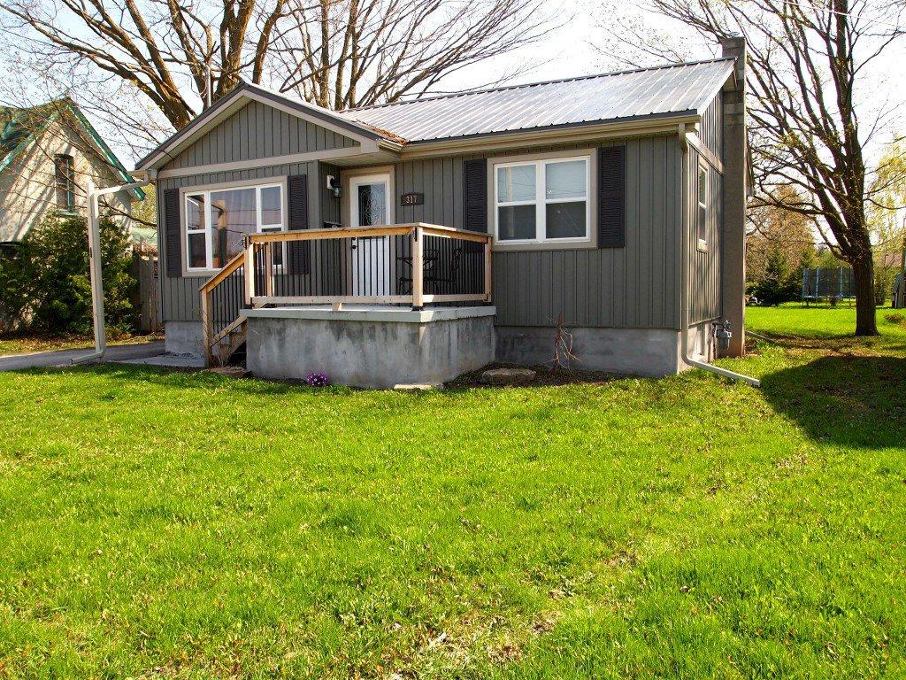 Main Photo: 317 Bay Street in Beaverton: Durham Freehold for sale (Brock)  : MLS®# N2881019/1442615